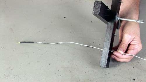 Провода в отверстии