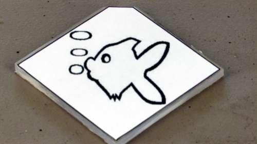 Наклейка на оргстекле