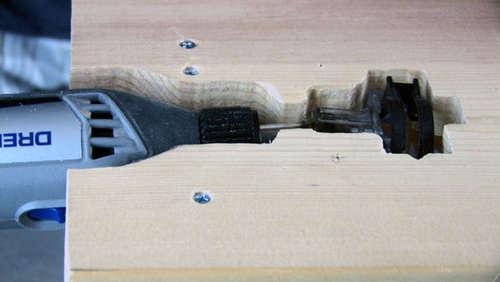 МИни-пила на разных уровнях с рабочей поверхностью