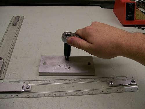 Процесс нарезания резьбы