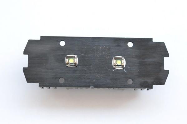 Светодиоды закрепленны на радиаторе