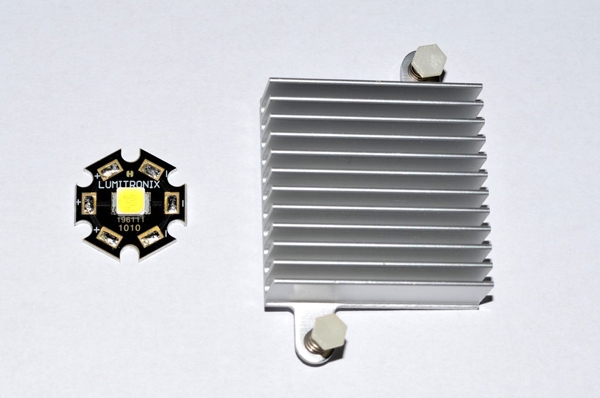 Светодиод и радиатор