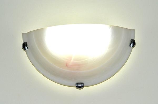 Светодиодный светильник в прихожей
