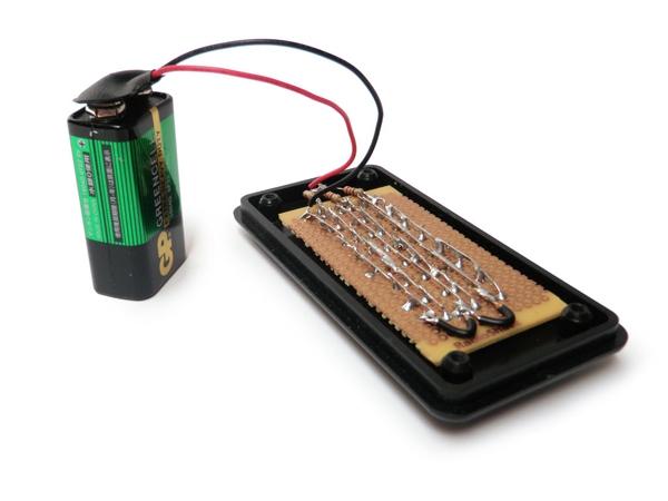 Подсоедините батарею